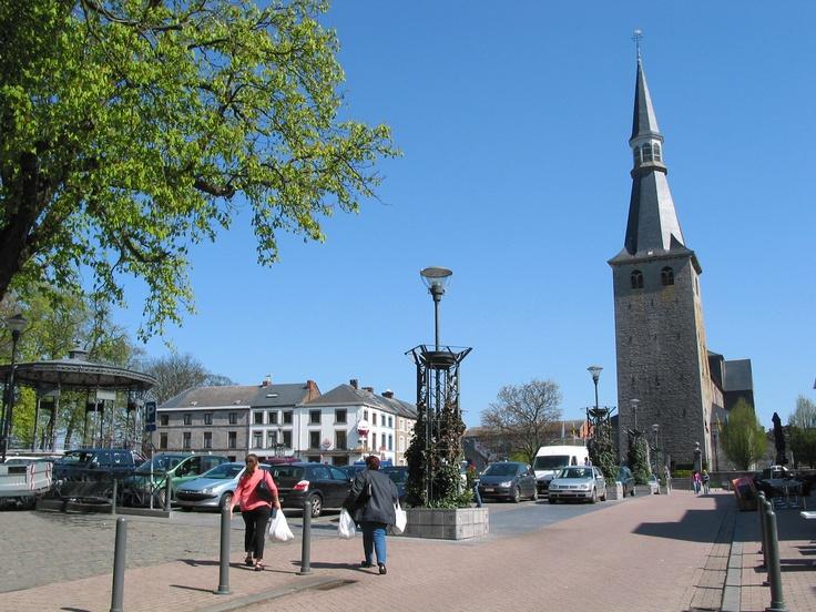 """Place Monceu à Ciney. A 6 km de notre gîte """"La Grange d'Ychippe"""" , (gîte rural)à proximité de Leignon, Ciney, Chevetogne, Rochefort, Dinant, Ardenne, Wallonie,Belgique) https://www.lagrangedychippe.be"""