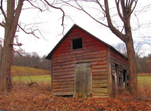 little red barn: Worn Barns, Country Girl, Barns Churches, Amazing Barns, Country Living, Fantasy Life, Children'S Children, Red Barns, Country Barns