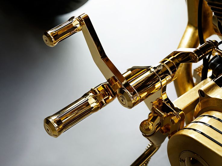 Lauge Jensen Goldfinger : the world's most expensive motorcycle - to discover www.themilliardaire.co #luxury #gold #moto