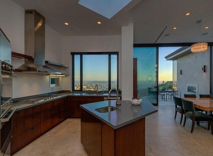 Minecraft Youtube Star Jordan Maron Scores 4 5 Million Bachelor S Pad In Hollywood Hills Luxury Kitchens Mansions Luxury Kitchens Luxury Kitchen Modern