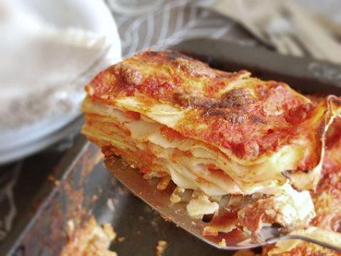 July 29th, 2014 - National Lasagna Day! ★ Classic Italian Lasagna ★ honestcooking.com