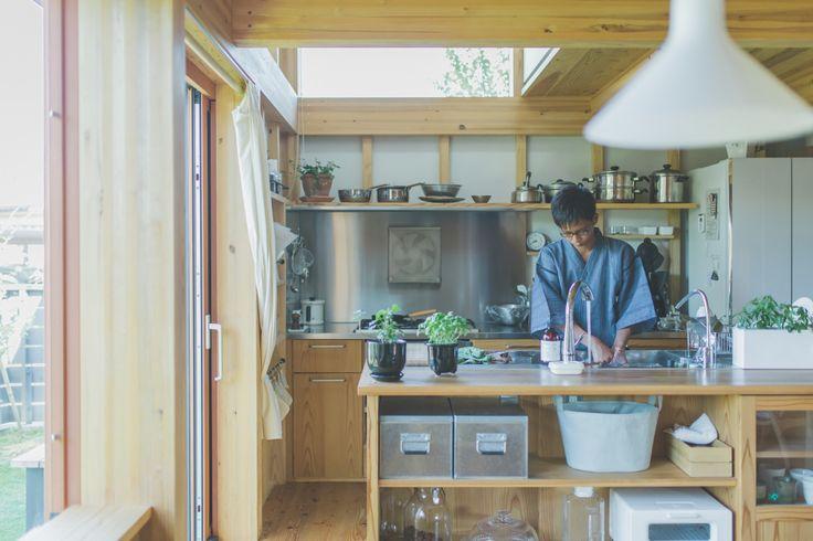 中学生のお兄ちゃん朝食の皿洗い(洗い方にもこだわりがあるそう)