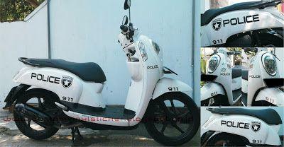 Honda Scoopy F1 ESP White - Custom White Wrapp & P...