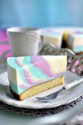 Orzeźwiające, lekkie i nie za słodkie ciasto. Pyszna i delikatna pianka zrobiona z jogurtu, śmietany i galaretek, a na spodzie...