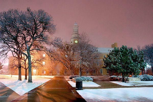 Snow at the University of North Texas in Denton, Admin Building