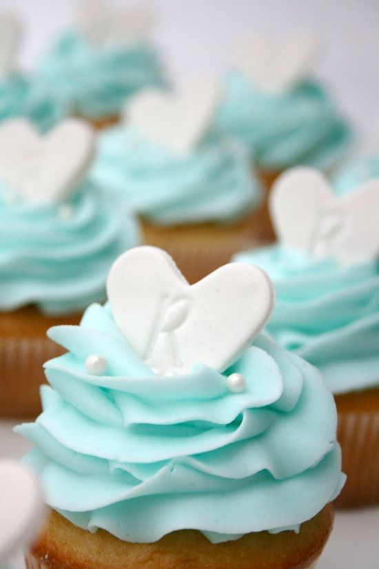 Cupcake Decorating Ideas For Bridal Shower : Cool Kitchen Stuff: Pretty Cupcake Decorating Ideas for ...