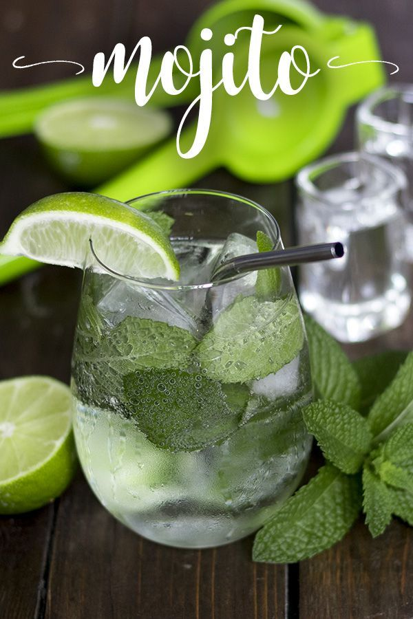 Keto Mojito - a low Carb & sugar-free spin on the classic mint mojito drink recipe. Just 5 easy ingredients and under 5 carbs! | Tasteaholics.com