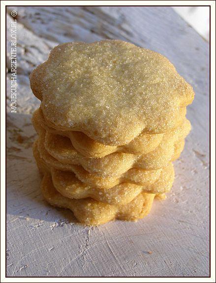 Kruche maślane ciasteczka z cukrem