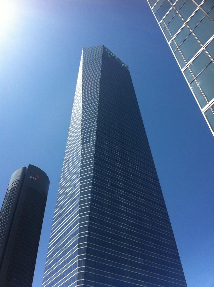 Torre de Cristal (Pelli)