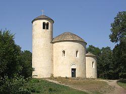 Říp - rotunda svatého Jiří 2013 obr1.jpg
