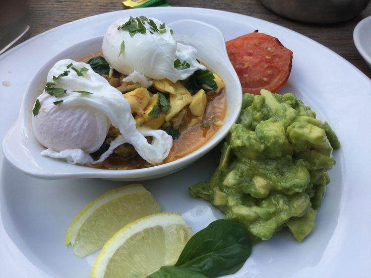 Sorry, been a bit worn out from last weeks excitement to post but I'm back! Lunch out at Blue Mountain Cafe, North Cross Road, East Dulwich. Jamaica style breakfast = Ackee & saltfish, poached eggs, guacamole ( instead of pancakes). Oh so good a drank the juice out of the bowl ( yes I have no manners).   #sugarfree #glutenfree #dairyfree #yeastfree #paleo #lowcarb