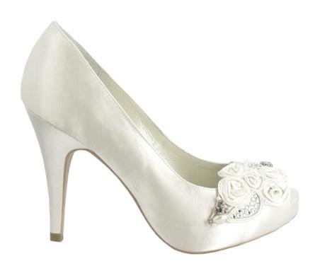 Menbur - zapatos de novia zapato peep toe flores y pliegues