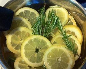 Исцеляющий хвойно-лимонный настой.. необходимо два стакана измельченной сосновой хвои залить полулитром воды, добавить горсть плодов шиповника и довести до кипения, после того как настой остынет добавить в него сок одного лимона, дать настояться в течение одних суток, после чего процедить.  Принимать целебный настой следует по 100 мл дважды в день за полчаса до еды.