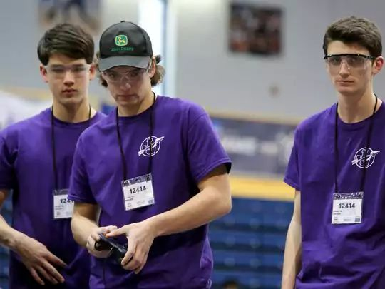 First Tech Challenge: High schools battle in robotics competition - http://klou.tt/16q2tglslu55x #robotics #competition