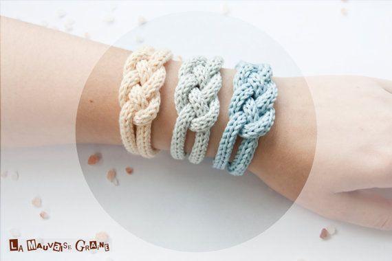 Hey, j'ai trouvé ce super article sur Etsy, chez http://www.etsy.com/fr/listing/125414320/bracelet-de-tricotin-tresse-en-coton