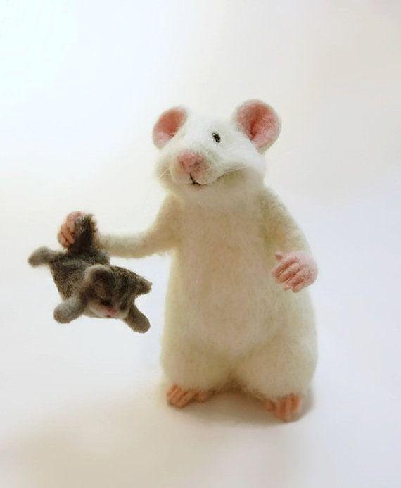 MADE TO ORDER, Maus und Katze, Sammel Puppe, Jahrgang Maus, weiche Maus, Stofftier, Maus in Geschenk, Filz, Babyschuhe, Maus-Filz, Maus weiss