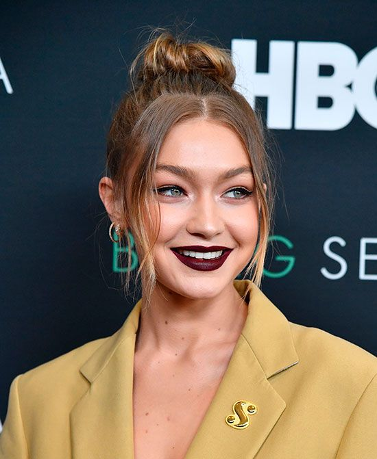 See Gigi Hadid's Best Beauty Looks of All Time Photos Estilo Gigi Hadid, Bella Gigi Hadid, Gigi Hadid Style, Estilo Dark, Long Length Hair, Hairstyle Look, Tips Belleza, Gorgeous Hair, Beautiful