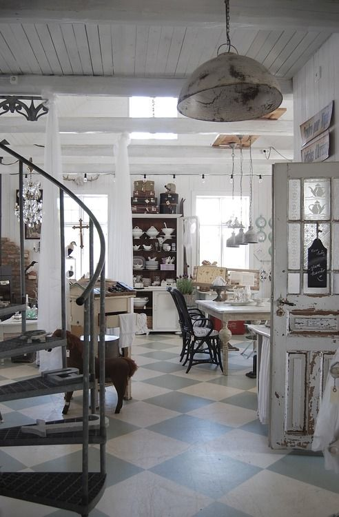 An antique kitchen perfect for anyone!