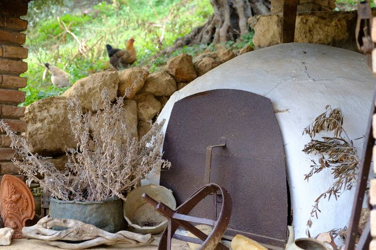 Traditional handmade wood oven right in front of the countryside at the yard of the house, next to the kitchen. Just ask and we will show you how to cook the most amazing food you will ever taste.