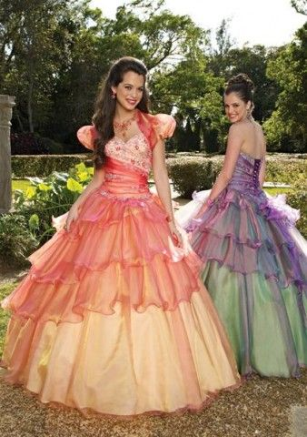 I would so wear one of these to a ball..lol: Dresses Shops, Wedding Dressses, Princesses Dresses, Ball Gowns, Dresses Up, Bridesmaid Dresses, Color, Prom Dresses, Quinceanera Dresses