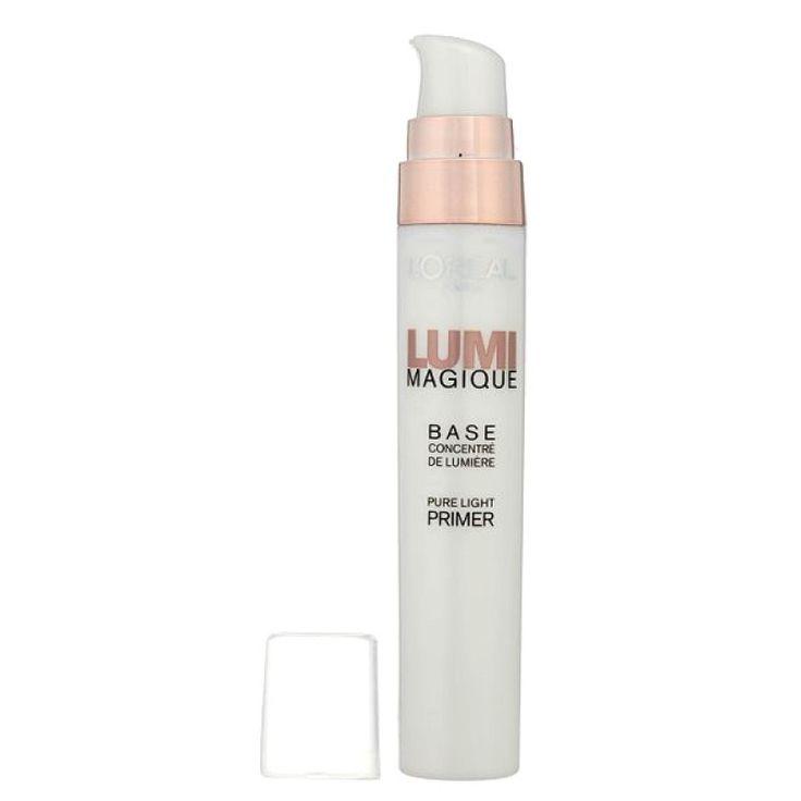Φωτίστε το δέρμα σας με το L'Oreal Lumi Magique Pure Light Primer! Η φρέσκια και ελαφριά φόρμουλά του ενυδατώνει την επιδερμίδα για 8 ώρες, αφήνοντας μεταξένιο τελείωμα. Η φωτεινή και εμπλουτισμένη βάση του είναι ιδανική για να προετοιμάσετε την επιδερμίδα σας, πριν την εφαρμογή του foundation