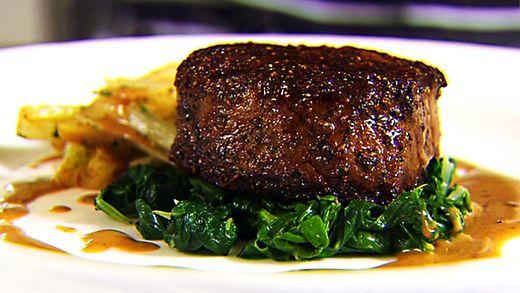 Siapa yang ngiler dengan Fillet Of Beef dari restoran Sixty6 di Dublin, Irlandia ini?
