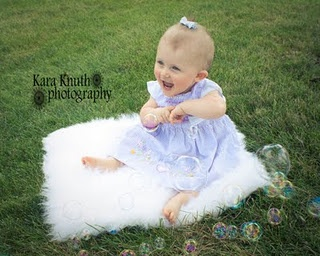 Using bubbles in pictures with kids. Cute idea.