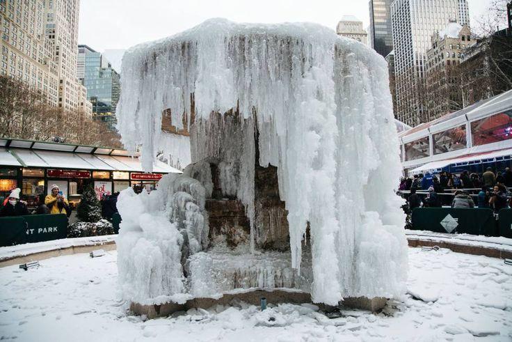ESTADOS UNIDOS Una feroz ola de frío ártico condiciona el fin de año en Canadá y Estados Unidos Múltiples ciudades alteran las celebraciones al aire libre por las inusuales temperaturas, cuya sensación real llega a los -42 grados #Nieve #Canadá #Nueva York #Frío #Estados Unidos #Temperaturas #Norteamérica #Precipitaciones #Meteorología #more ica http://www.miblogdenoticias1409.com/2017/12/estados-unidos-una-feroz-ola-de-frio.html#more#news