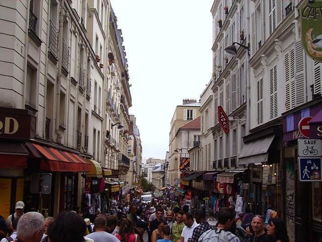 PARIGI - I QUARTIERI , I NEGOZI VINTAGE E DOVE MANGIARE