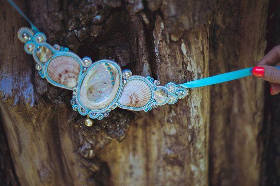 Big shell soutache necklace