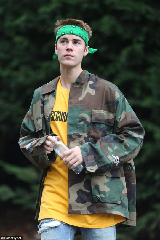 October 14: Justin seen out in London, UK