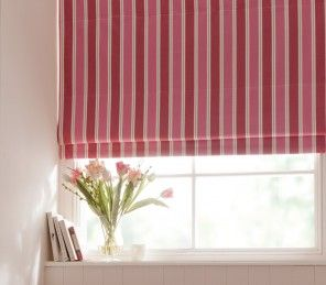 Made to measure Roman Blinds which come from the collection Clarke & Clarke Stamford. The Clarke & Clarke Stamford collection holds a variation of different colour tones, patterns and stripes to bring out the best in your home!