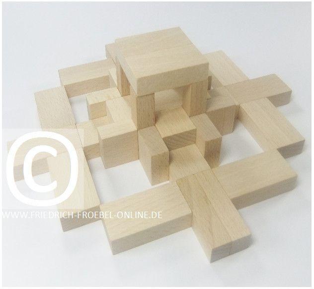 Froebel Gift 6 - japanisches Teehaus!  Schönheitsform (Form of Beauty) mit den Holzbausteinen der Spielgaben nach Fröbel -> hier Spielgabe 6