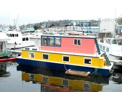 A Seattle Houseboat For Sale In The Northlake/Wallingford Area.