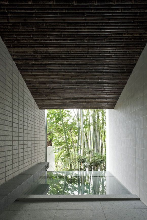 Dual House  by Kohmura Kenichi / Ken-Architects: located in a residential neighborhood in Tokyo. The sloped ceiling of the east side bathroom is clad with bamboo reflecting its surroundings. - See more at: https://www.japlusu.com/news/art-japanese-bath#sthash.JWs2YMmk.dpuf