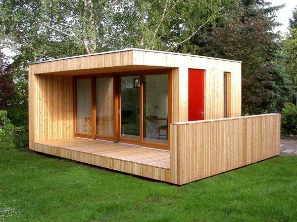 schönes Gartenhaus aus Holz mit modernem Design
