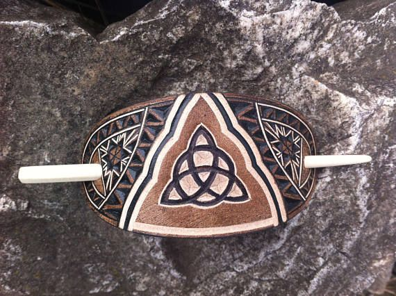 Celtic Triquetra hand carved leather hair barrete - tooled leather jewelry - haarspange aus leder