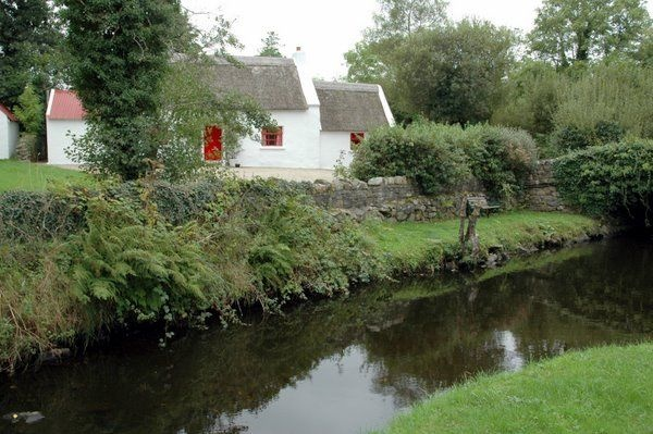 Ray Thatched Cottage Rathmullan Self Catering Cottage