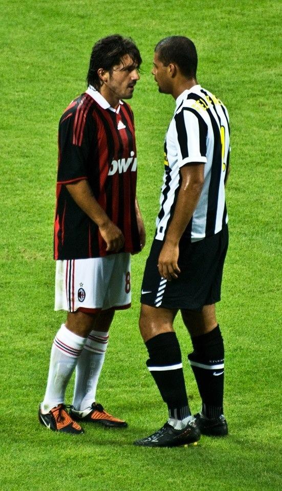 Gennaro Gattuso ⚽ Felipe Melo wonderplanetx.com aliens love and play soccer