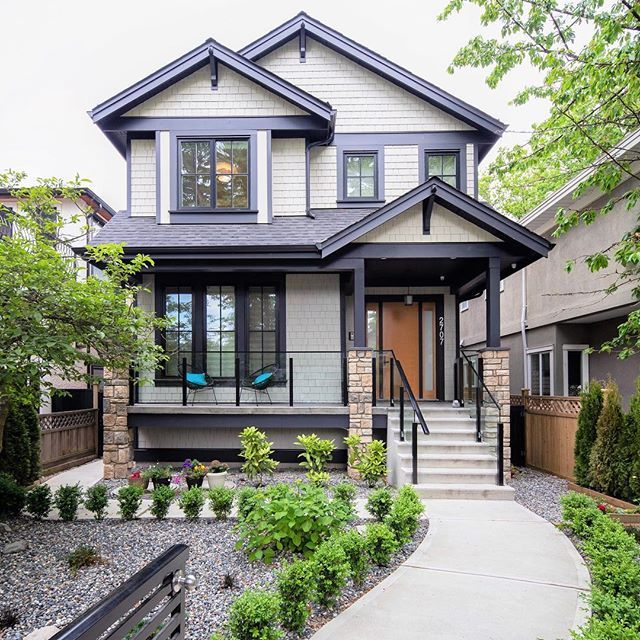 Light American Heritage Exterior Color Scheme Craftsman House House Exterior Traditional Exterior