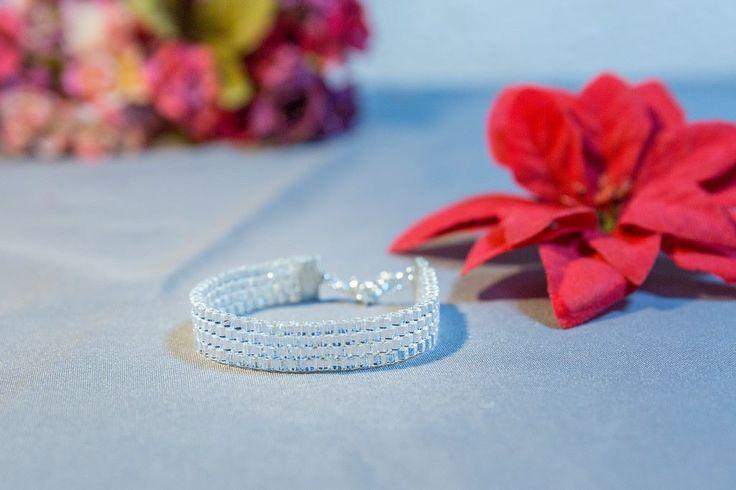 WHITE SNOW  Bracelet  Handmade bracelet  #joyfactorytsa #handmade #socialproject #fabricadebucurii #salvationarmy #salvationarmyprojects #armatasalvariibucuresti #charity #beadedjewerly #jewelry #salvationarmybucharest #handmadejewelry #salvationarmysupport #cercei #earrings #cerceihandmade #asortaretinuta #accesoriitinuta #cerceipentrurochieseara #cerceipentrutinutaoffice #cerceispeciali