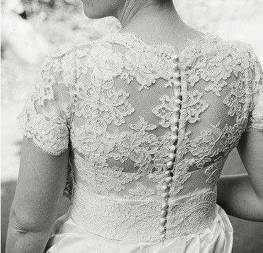 One of a kind TSH-brudekjole til salgs. Ren silke og blonder: 9500 kroner - FINN Torget #finnfunn