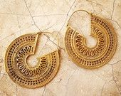 Articles similaires à 50 % de réduction laiton boucles d'oreilles, boucles d'oreille Boho, boucles d'oreilles Tribal, gitane boucles d'oreilles or, Boho Gipsy boucles d'oreilles, Bohème, BellyDance Tribal, lalaboho sur Etsy