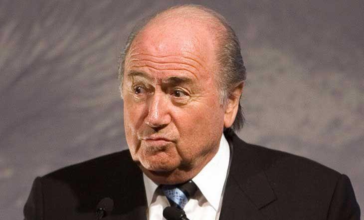 CAN 2015: Sepp Blatter, le Président de la FIFA en Guinée Equatoriale - 08/02/2015 - http://www.camerpost.com/can-2015-sepp-blatter-le-president-de-la-fifa-en-guinee-equatoriale-08022015/?utm_source=PN&utm_medium=CAMER+POST&utm_campaign=SNAP%2Bfrom%2BCamer+Post