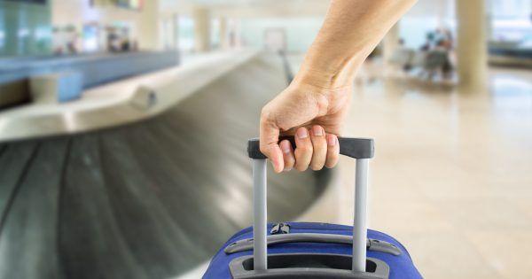Equipaje de mano: ¿Cuáles son las medidas máximas en cada aerolínea? || ¿Tienes un vuelo próximamente y piensas llevar maleta en cabina? Te mostramos cuáles son las medidas máximas permitidas de equipaje de mano en cada aerolínea. #avión #viajes http://www.ticbeat.com/cyborgcultura/equipaje-de-mano-cuales-son-las-medidas-maximas-en-cada-aerolinea/?utm_campaign=crowdfire&utm_content=crowdfire&utm_medium=social&utm_source=pinterest