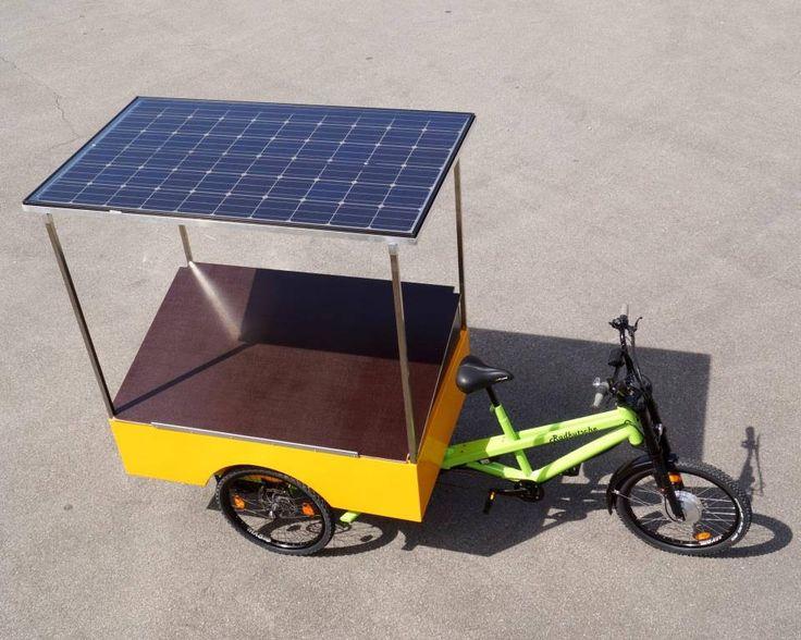 Erneuerbare Energie auf drei Rädern: unser Marktstand- Musketier ist mit Solarpanelen ausgerüstet, die du individuell für deine Zwecke nutzen kannst.  #Lastenrad