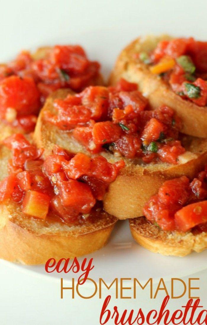 EASY zelfgemaakte BRUSCHETTA :  Italiaanse ( tros tomaten )  stukjes tomaten - 6 teentjes knoflook - 4 thl. Olijfolie - 3/4 kop basilicum . Doe alle ingrediënten in een kom en meng vlak voor het opdienen. Sandwich broodjes. Gesneden in plakjes en leg ze op een bakplaat.  . Boter plakjes en bestrooi met Parmezaanse kaas. Braden op HIGH voor 2-5 minuten'.Serveer het brood stukken met uw bruschetta. Dat was het ... Lekker...