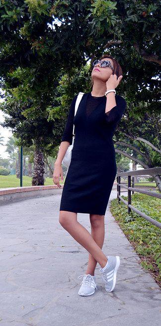 Es así como debes usar ese vestidito negro que quieres ponerte pero sin verte muy gótica. | 23 Consejos de moda para las chicas despreocupadas pero estilosas