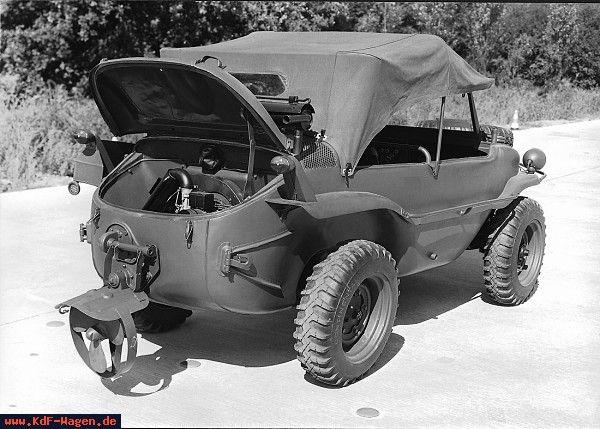 VW - 1940 - (vw_t1) - Schwimmwagen Typ 166 von hinten mit offener Motorhaube - [5497]-1