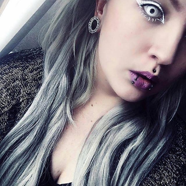 #Repost @cybershopinsta ・・・ #Repost @shiroou with @repostapp ・・・ I'm not normal. #finnish #finnishgirl #emo #scene #alternative #scenegirl #piercing #grayhair #makeup #tattooed #otaku #gamer #kpopper #hairdresser #cybershop @hermansprofessional @cybershopinsta